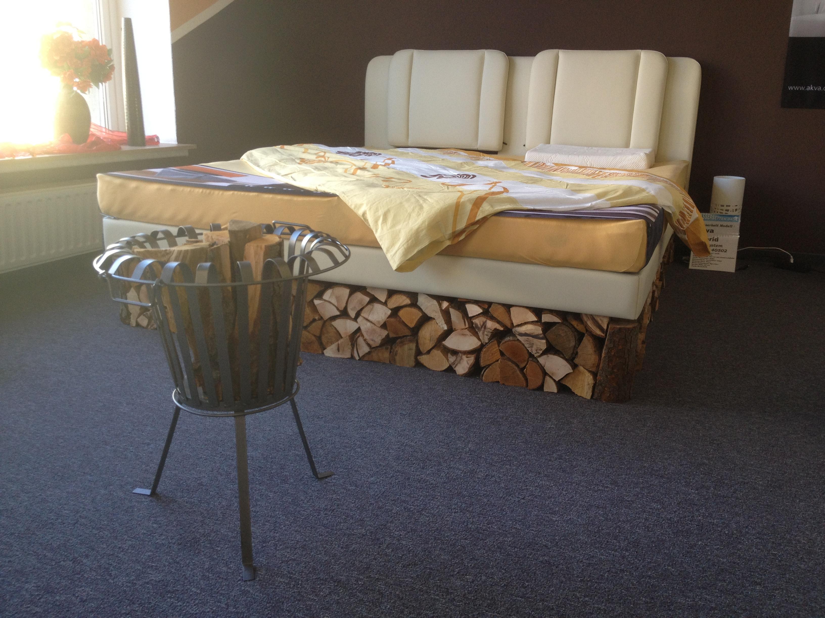 boxspringbett oder wasserbett. Black Bedroom Furniture Sets. Home Design Ideas
